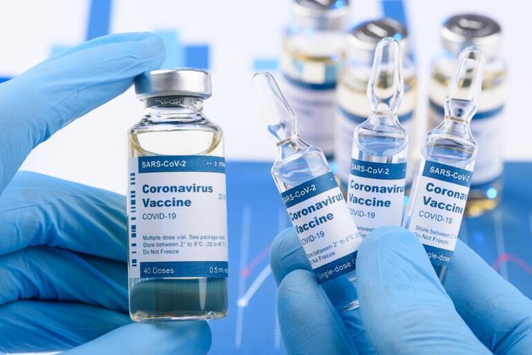 1 SORU 5 UZMAN: Aşıda yaş sınırı kaldırılmalı mı