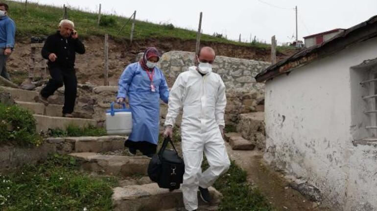 Karadeniz yaylalarında aşı mesaisi Kapı kapı dolaştılar