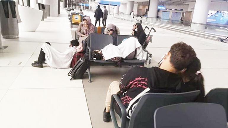 Taliban'dan kaçtılar, terminalde kaldılar