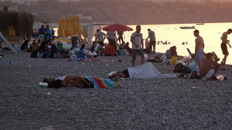 Turizm merkezi Antalyada ilginç görüntüler