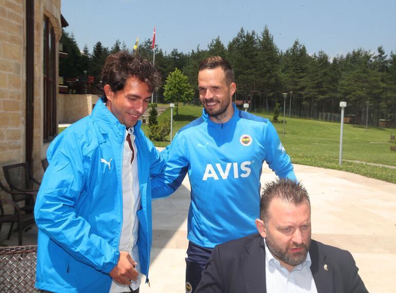 Son dakika: Fenerbahçede Ali Koç ve yöneticilerden kampa ziyaret Vitor Pereira ve Caner Erkin...