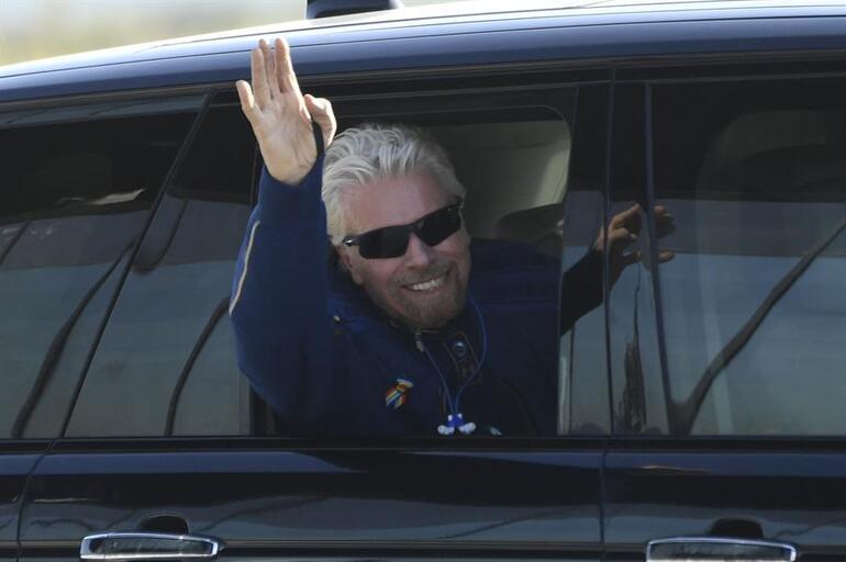 Dünyanın gözü bu test uçuşunda... Richard Branson uzaya giden ilk milyarder olabilecek mi