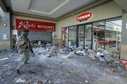 Son dakika... Güney Afrikadaki şiddet olaylarında ölü sayısı 45e yükseldi