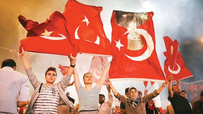 15 Temmuz anketi: 'Vatan, bayrak, devlet için'