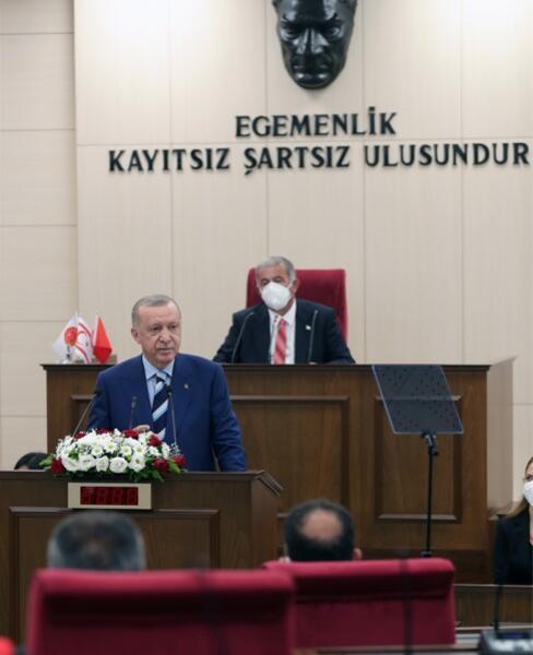 Son dakika... KKTCye tarihi ziyaret... Merakla bekleniyordu, Cumhurbaşkanı Erdoğan müjdeyi açıkladı