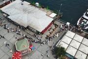 Adalara sefer düzenleyen vapur iskeleleri doldu taştı