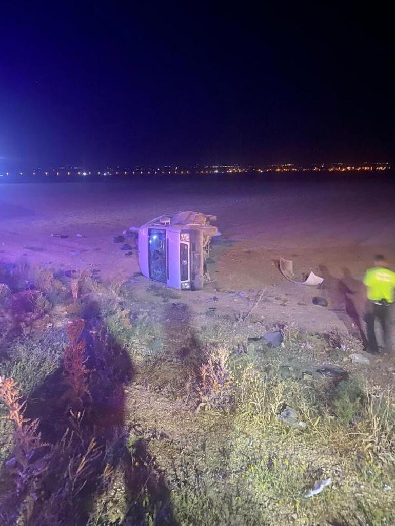 Konyada feci kaza 1 kişi hayatını kaybetti, 14 yaralı