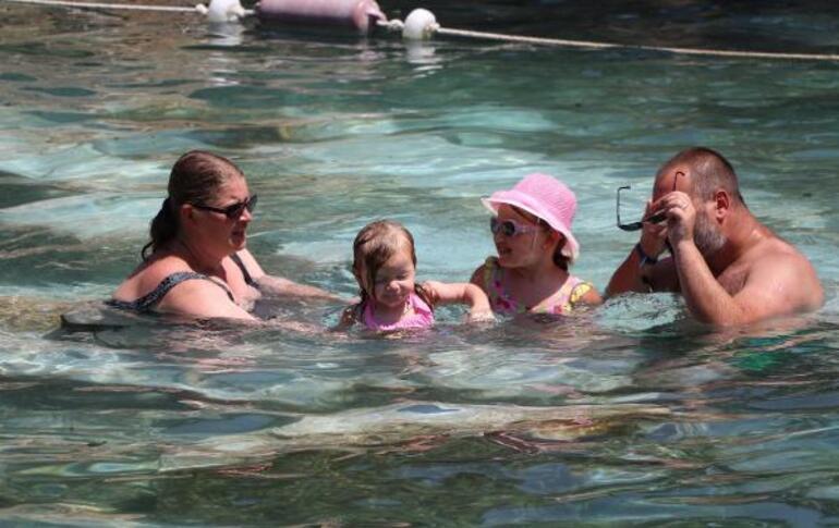 Kleopatra havuzuna akın Doldu taştı...