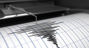 Deprem mi oldu, en son nerede deprem oldu Ege Denizinde korkutan depremler