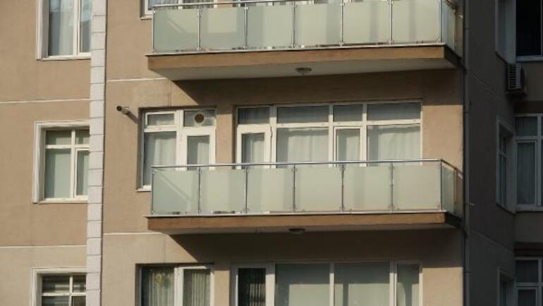 Kilitli kaldığı dairenin balkonundan alt kata iniyordu... Dilekten acı haber