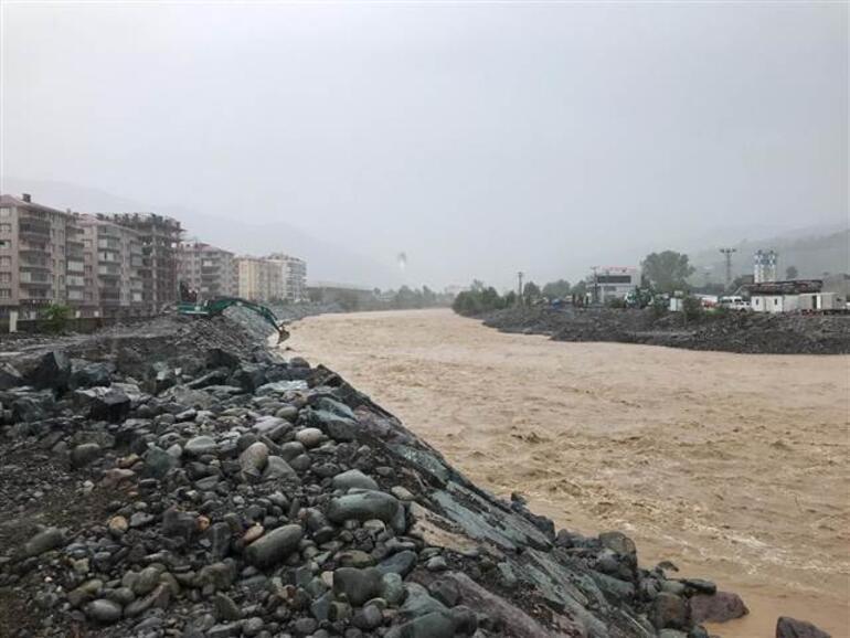 Son dakika... Meteoroloji, Doğu Karadeniz için yağış uyarısı yapmıştı Artvin Arhavi ilçesinde iki mahalle sular altında