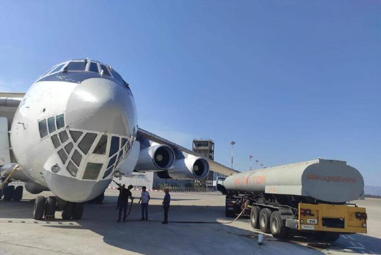 İranın uçan tankerine Muğlada su ikmali yapıldı