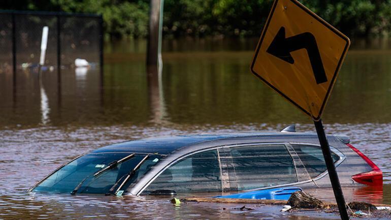 ABDyi İda Kasırgası vurdu Oluşan sellerde en az 28 kişi hayatını kaybetti