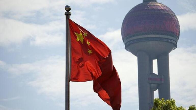 Çinden televizyonlar için flaş karar: Efemine erkek sunuculara yasak geldi