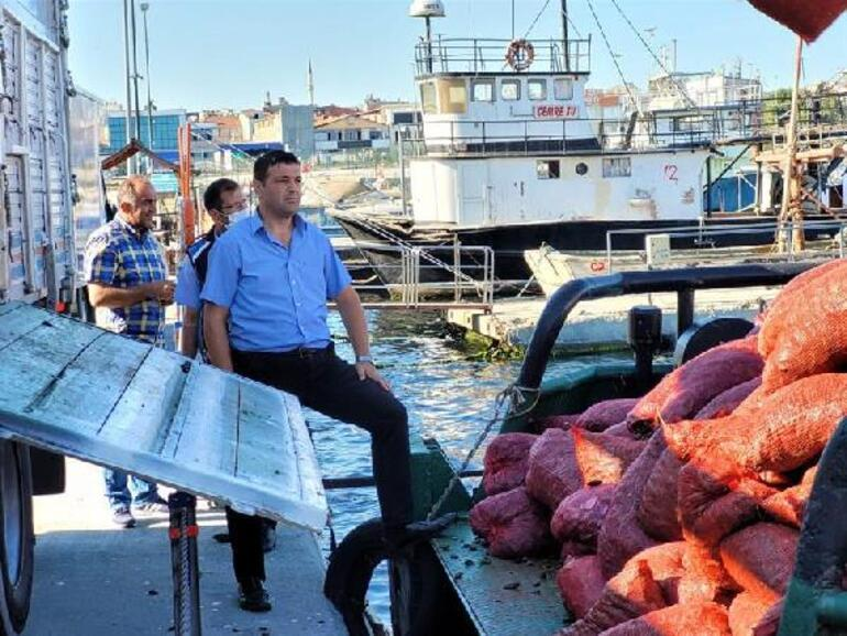 Bayrampaşa Sebze ve Meyve Halinde kaçak midye operasyonu 6 ton yakalandı