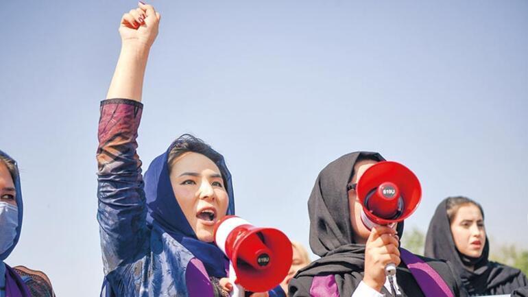 Kabil'de kadınlar başkaldırdı: Taliban bizi evde tutamazsın