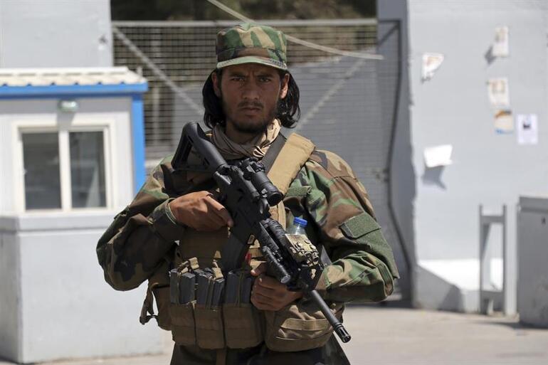 Reuters duyurdu: Aralarında ABD vatandaşları da var: Afganistanda bin kişi mahsur kaldı