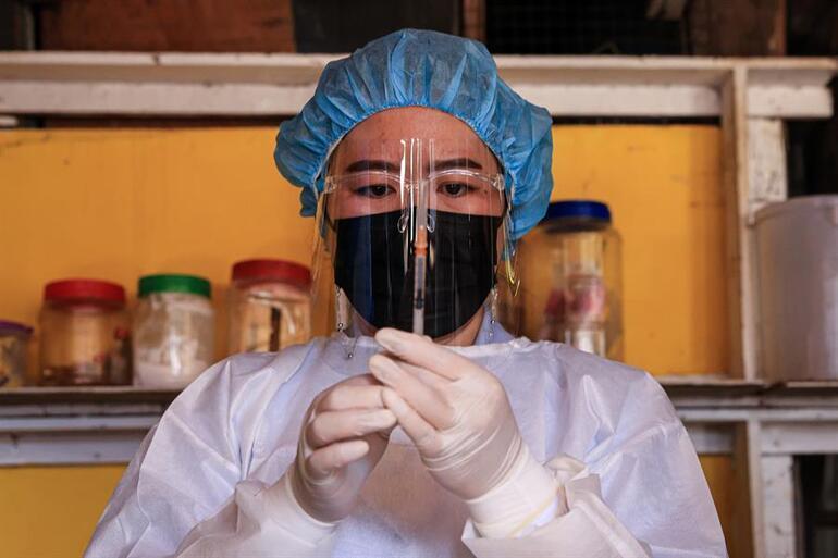 Japonyada şok üstüne şok Kullanımı durdurulan aşı bir can daha aldı