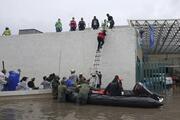 Meksika bir günde 2 felaket ile sarsıldı... Önce sel sonra deprem