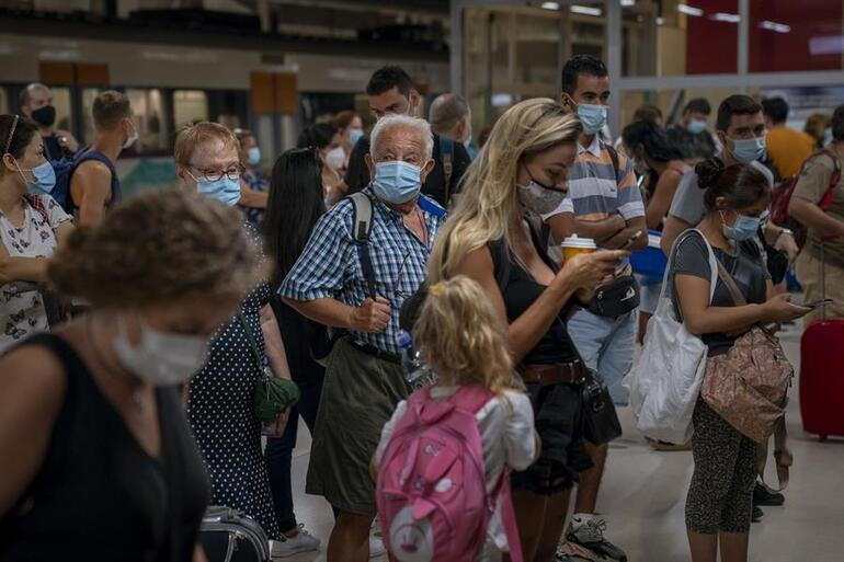 Virüsü yendik diyerek açıkladılar: Tüm önlemler kaldırıldı
